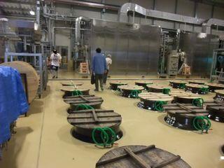 三岳酒造 一次もろみ甕と麹を造る機械