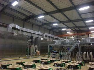 三岳酒造 一次もろみの甕・タンクと麹を造る機械